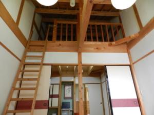 East Building second floor, No. 122 rooms